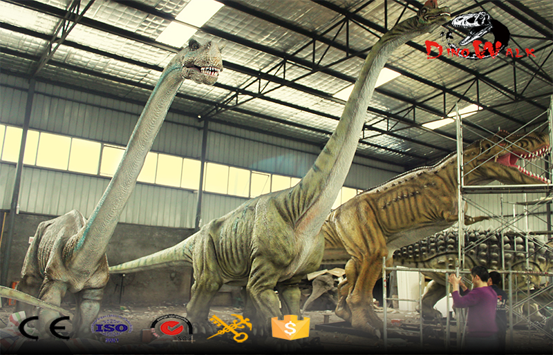 some big dinosaur models are being produced for dinosaur park
