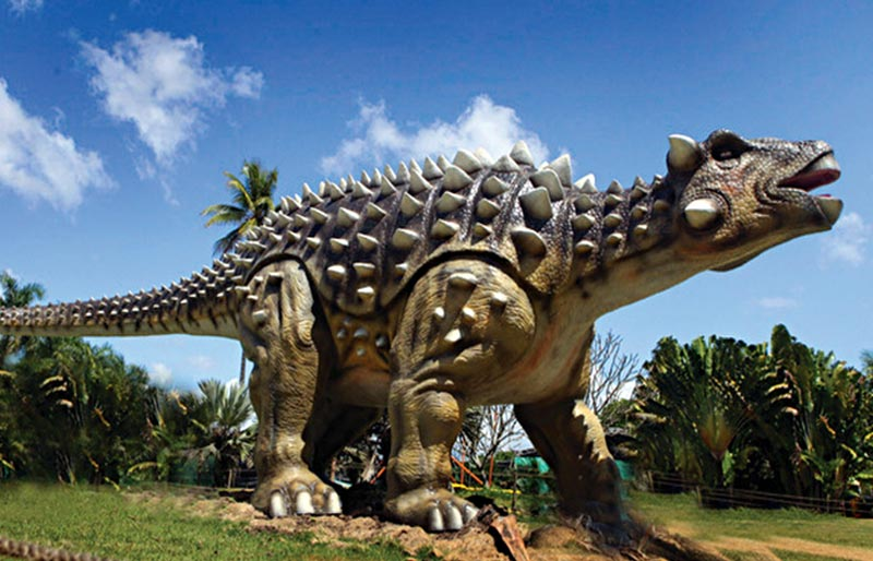 Animatronic Dinosaur simulation ankylosaur model