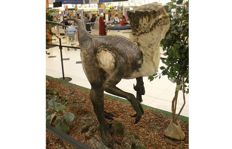 high quality realistic fiberglass dinosaur statue
