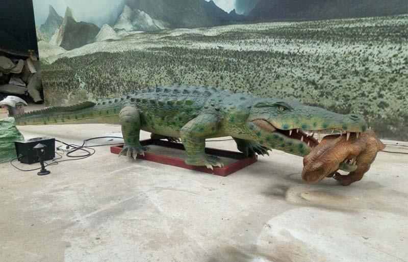 Theme Park Life Size Animatronic Waterproof Crocodile Model For Sale