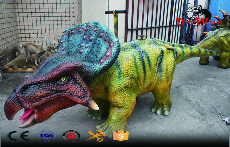walking simulation dinosaur Triceratops ride for entertain