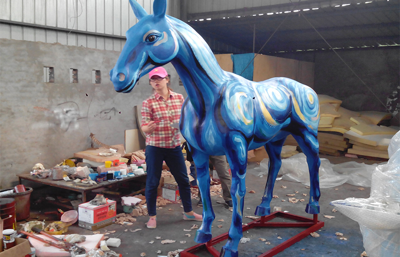 superme looking art style life size horse for decoration