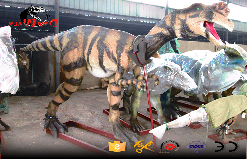 real life size dinosaur simulation model with movement