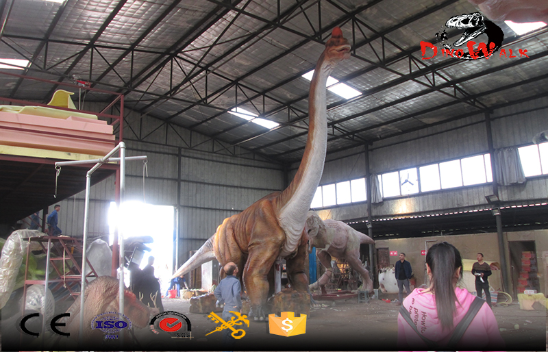 gigantic animatronic dinosaur with remote control walking and movement