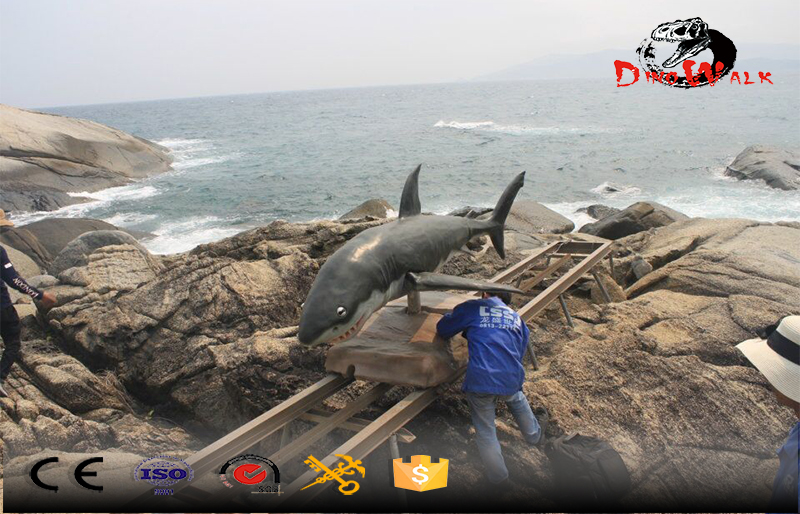project Sanya out door display attractive shark model move with railway