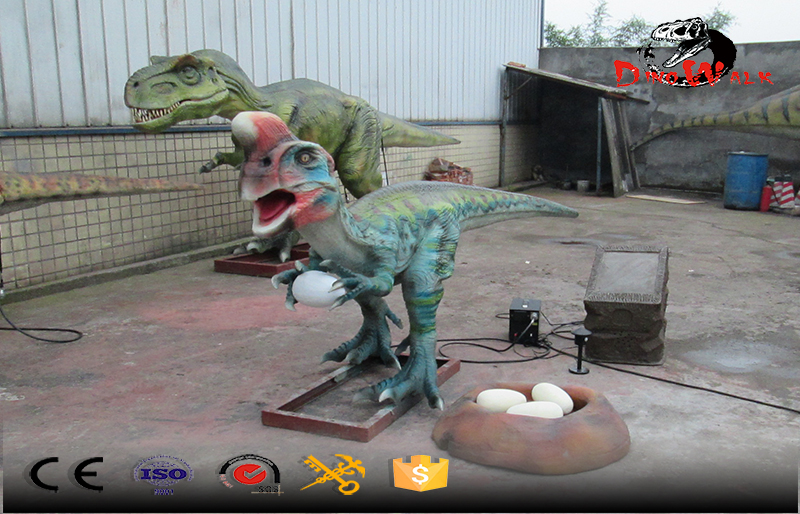 small size animatronic dinosaur stealing egges simulation with nest