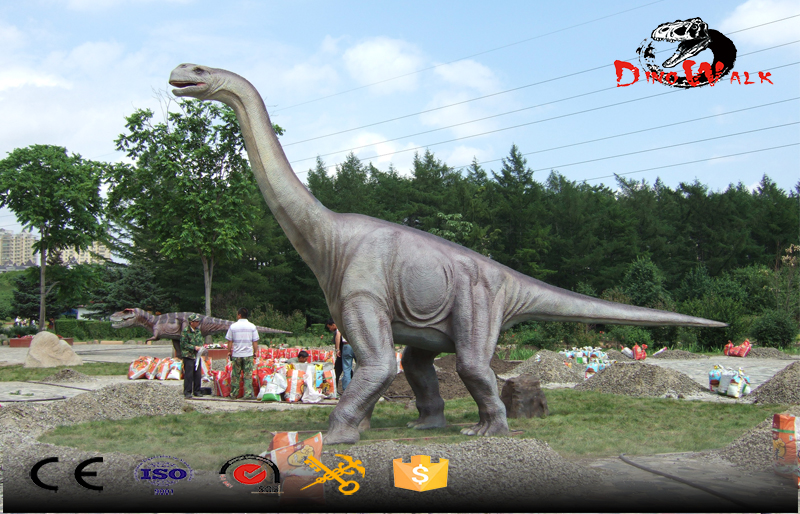life size Brontosaurus outdoor dinosaur display