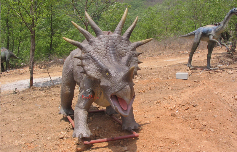 manufactory direct supply  medium size dinosaur outdoor field display