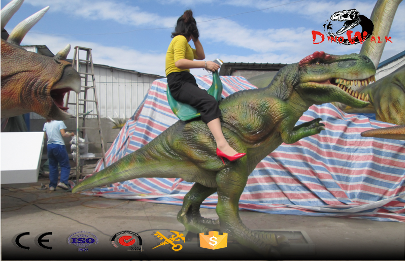 Riding dinosaur with realistic movement simulation
