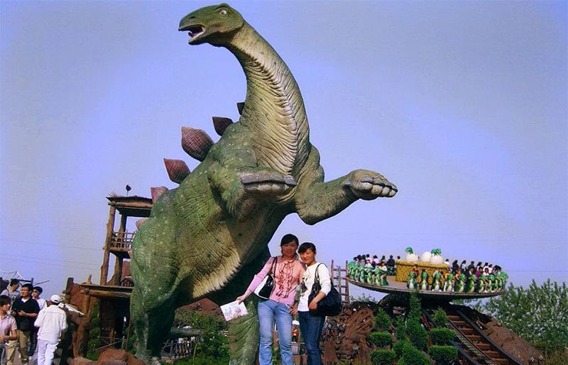 life size huge realistic animatronic stegosaurus in Thailand