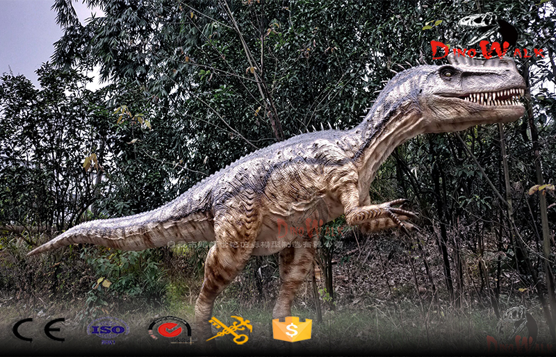 lifelike animatronic dilophosaurus for dino park